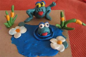 Пластилиновые лягушки